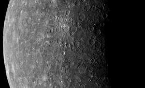 Uzay aracı Messenger Merkür'e çakıldı