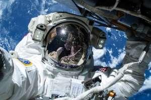 1 Saatlik Uzay Yürüyüşünün GoPro Kamera Kaydı!