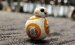 BB-8'i el hareketleriyle kontrol etmeyi sağlayan bileklik