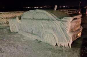 Donmuş Araç Camlarını Bilim ile Temizlemek