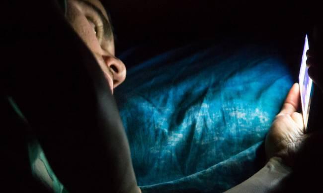 Uyumadan Önce Akıllı Telefon Kullanımı Nelere Sebep Oluyor?
