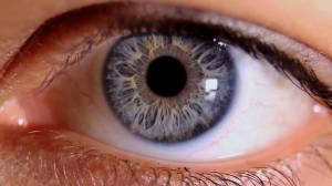 Neden Fotoğraflarda Gözler Kırmızı Çıkar?