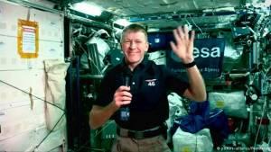 Uzay marotununda rekor kırdı