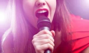 Kekeme İnsanlar Nasıl Takılmadan Şarkı Söyleyebiliyor?