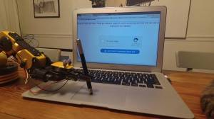 'Robot Değilim' Güvenlik Kodunu Trolleyen Çılgın Robot