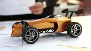 Bilek hareketleriyle kontrol edilebilen akıllı otomobil
