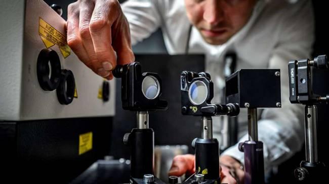 Dünyanın En Hızlı Kamerasından Yeni Rekor: Artık Işığın Hareketini Çekebiliyor