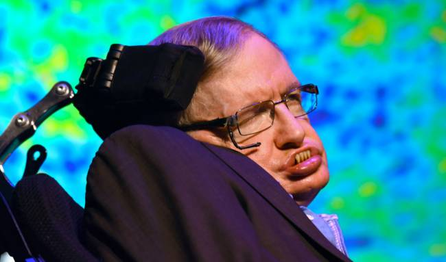 Stephen Hawking: Dünyayı 100 yıl içerisinde terk etmeliyiz