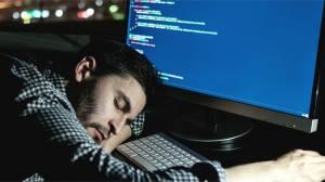 Yeterince uyumadığımızda beyin kendini yemeye başlıyor