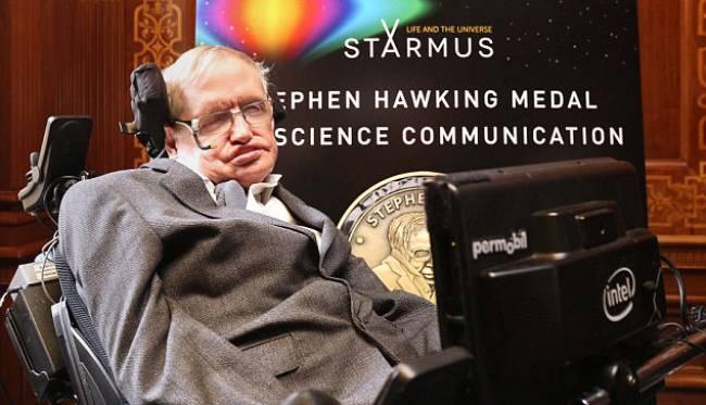 Hawking: Dünya'ya eninde sonunda asteroid çarpacak
